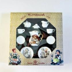 Reutter Porzellan Miniature M.J. Hummel Collector Tea Seat